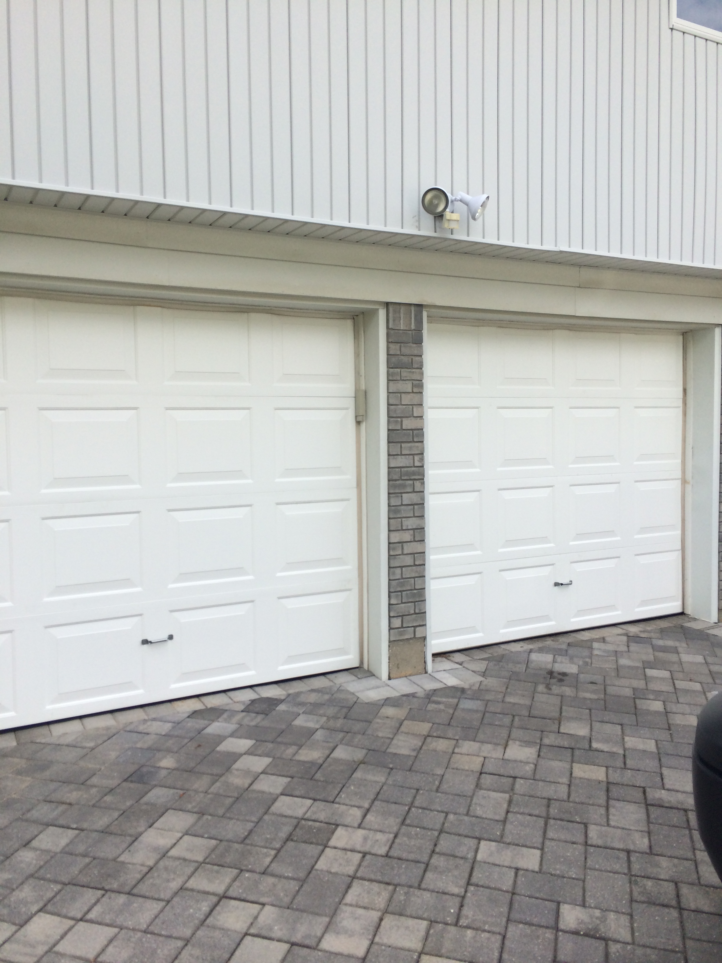 Allfamily factory trained and dedicated to perfect installations and repairs of garage doors rubansaba